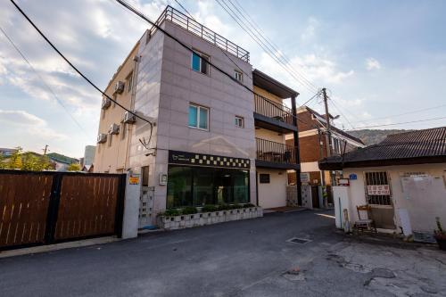 Gongju Ein Haus, Gongju