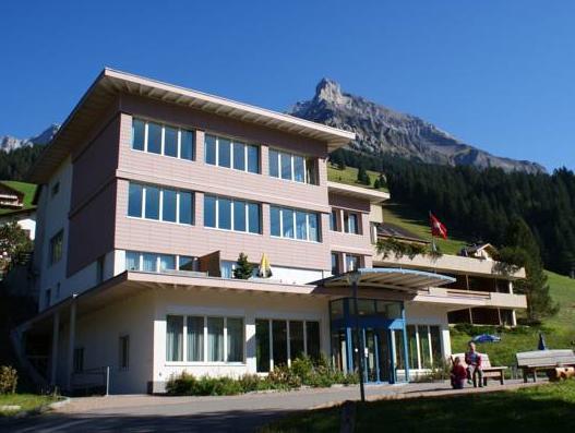 Ferien- und Familienhotel Alpina Adelboden, Frutigen