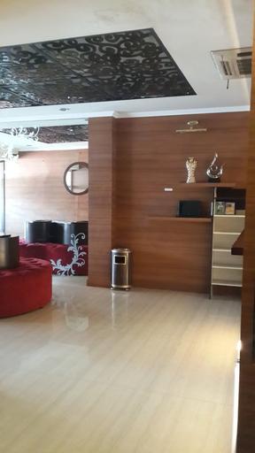Hotel California, Jakarta Pusat