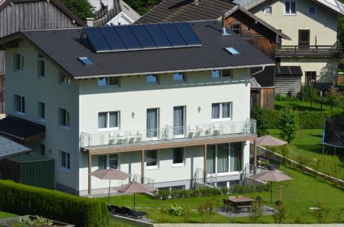 Apartment Haus Van der Leij, Hallein