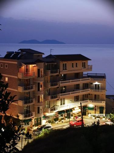 Hotel Nacional, Vlorës