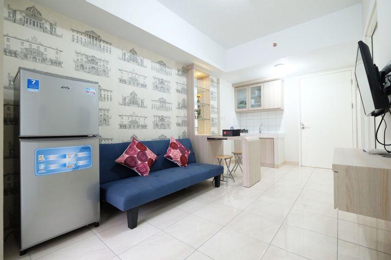3BR near Sumarecon Mall Bekasi at The Springlake Apartment by Travelio, Bekasi