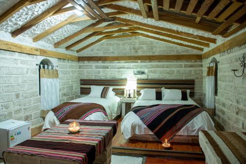 Tambo Coquesa Lodge, Daniel Campos