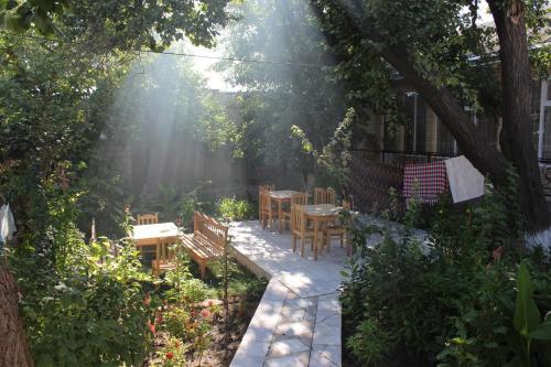 Guest House Ruslan Nurata & Tours, Nurota