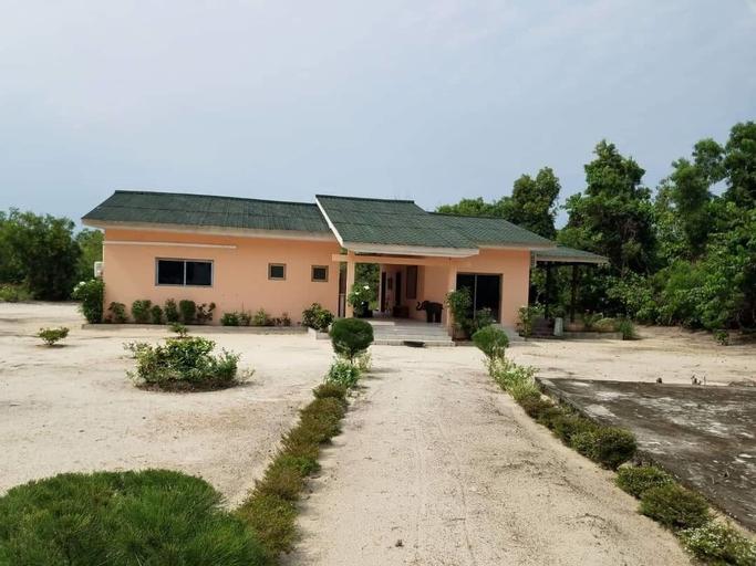 Nautica Service Maison Rose, Komo-Mondah