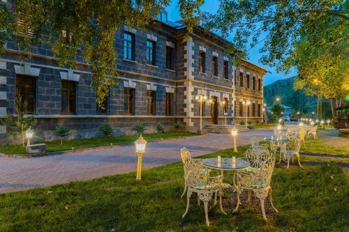 Hotel Katerina Sarayı, Merkez