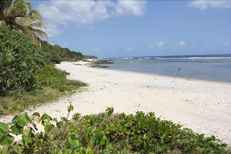 Alofa Beach Bungalows, West Tanna