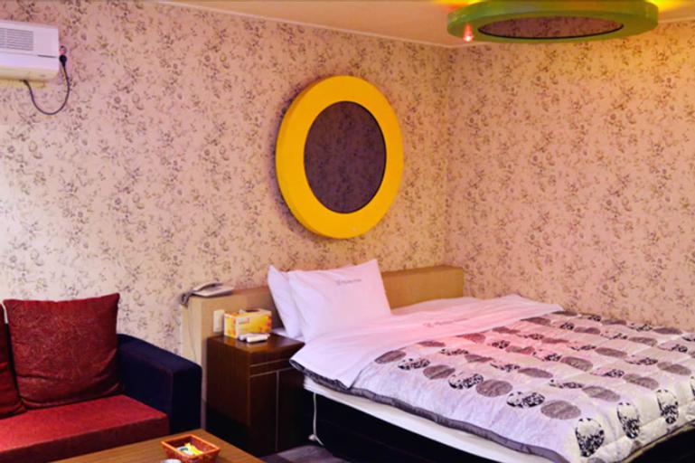 Enter Motel, Tongyeong