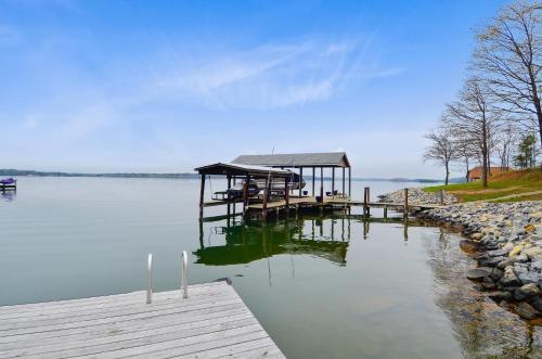 Lake Haven, Bedford