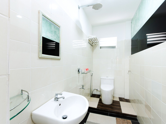 OYO 44011 Weng Bee Guest House, Putatan
