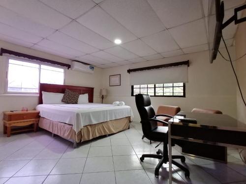 Hotel Maxim, Distrito Central