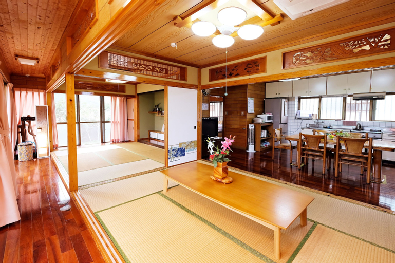 Wind of INOHA Country House, Motobu