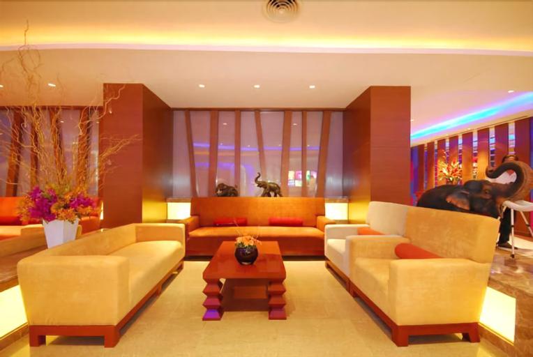Hip Hotel Bangkok, Din Dang