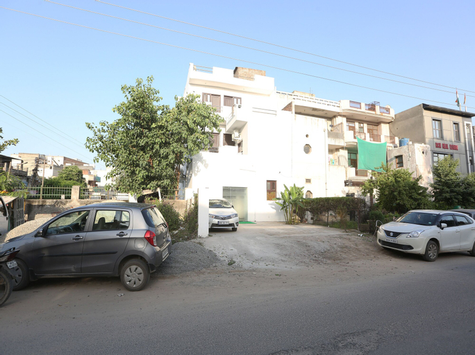 OYO 22125 Bleu Ville, Faridabad