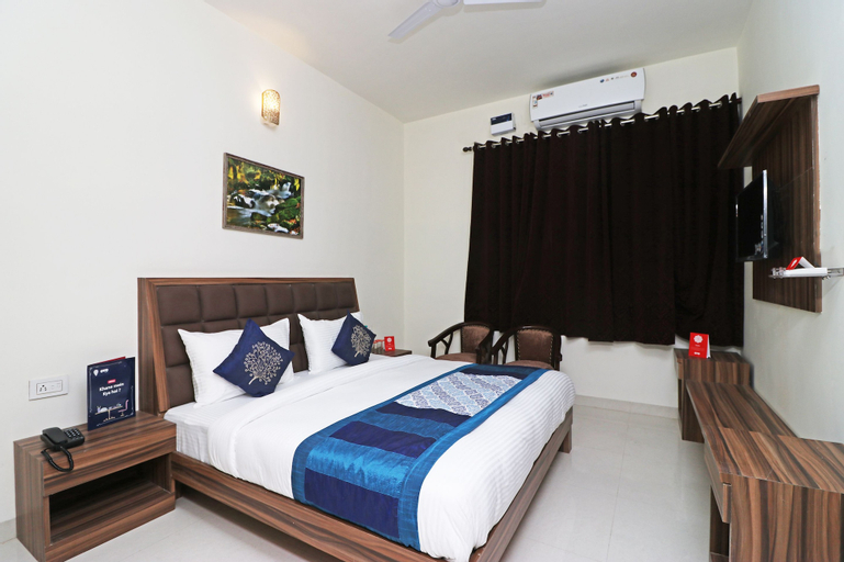 OYO 10213 Hotel Panache, Mathura