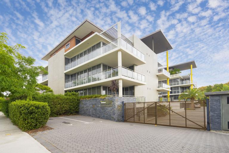 Luxury Modern Double Ensuite Apartment, Vincent