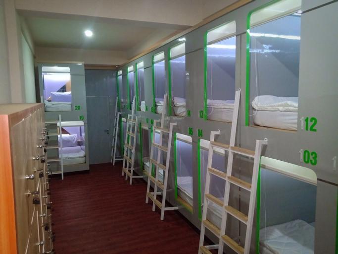Hotel Kotak - Hostel, Malang
