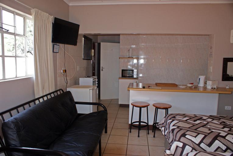 Overnight Accommodation, Umgungundlovu