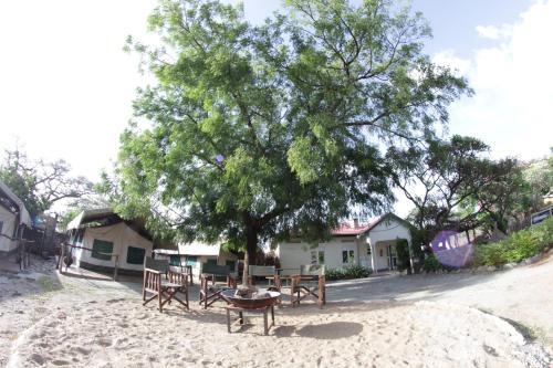 Kara-Tunga, Karamoja Backpackers & Safari Camp, Moroto