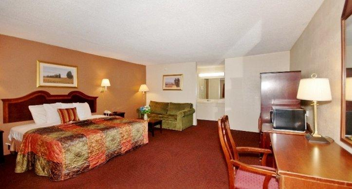Country Hearth Inn & Suites Marietta, Cobb
