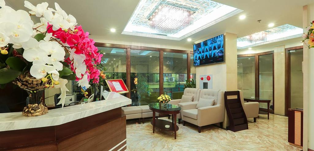 RedDoorz Plus near Hoang Quoc Viet Street, Cầu Giấy