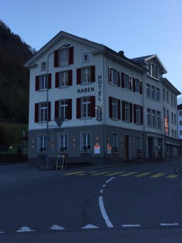 Hotel Restaurant Raben, Glarus