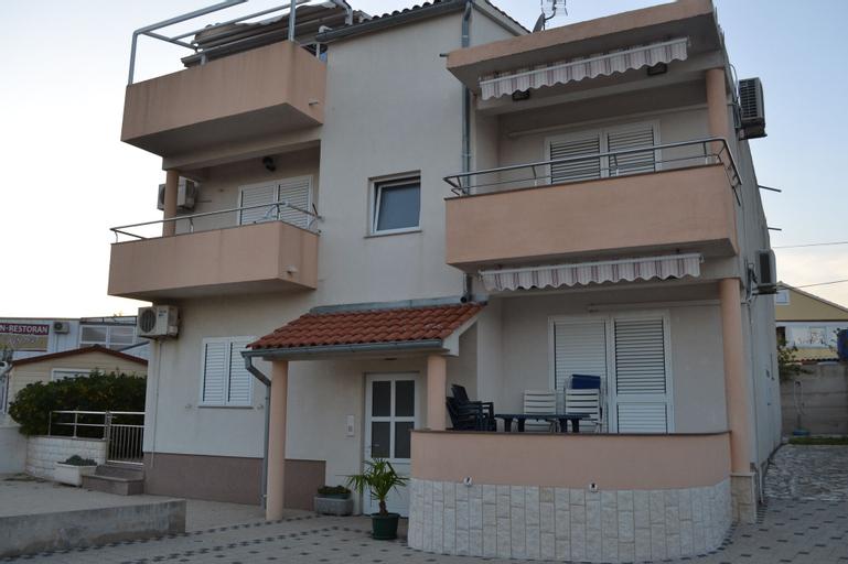 Apartments Valentino, Vodice