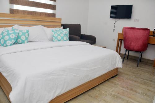 Graceland Hotel and Suites, Nyanyan, Karu