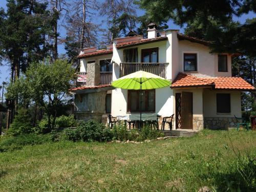 Charming Mount Family House Relax, Peshtera