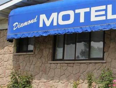 Diamond Motor Inn, Grey