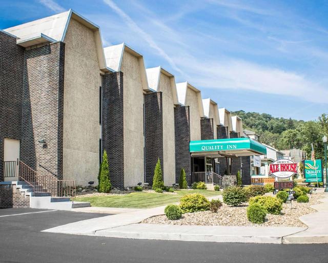 Quality Inn & Conference Center, Venango