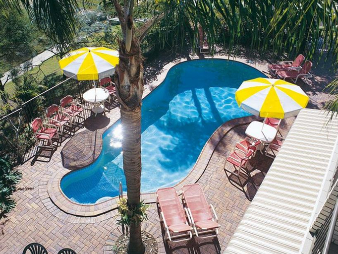 Bombora Resort, Coolangatta