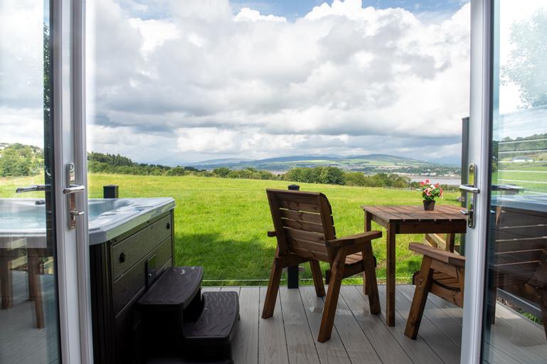 Luxurious Super King Lodge, Renfrewshire