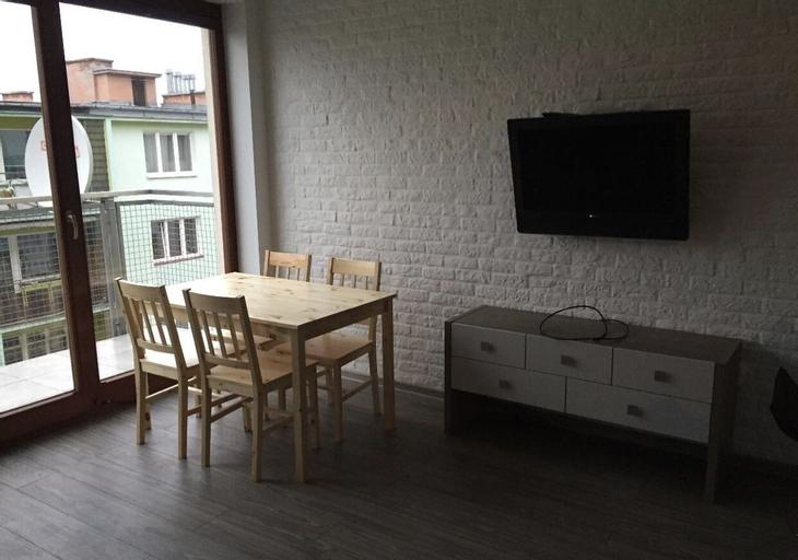 Penguin Rooms 4254, Kielce City