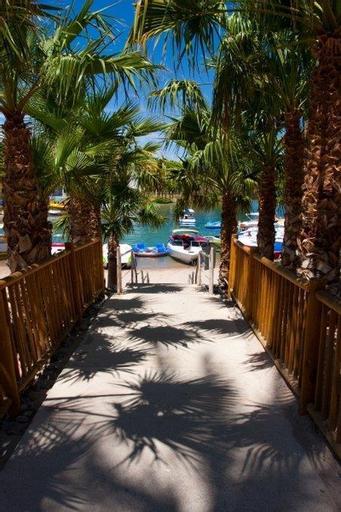 The Nautical Beachfront Resort, Mohave