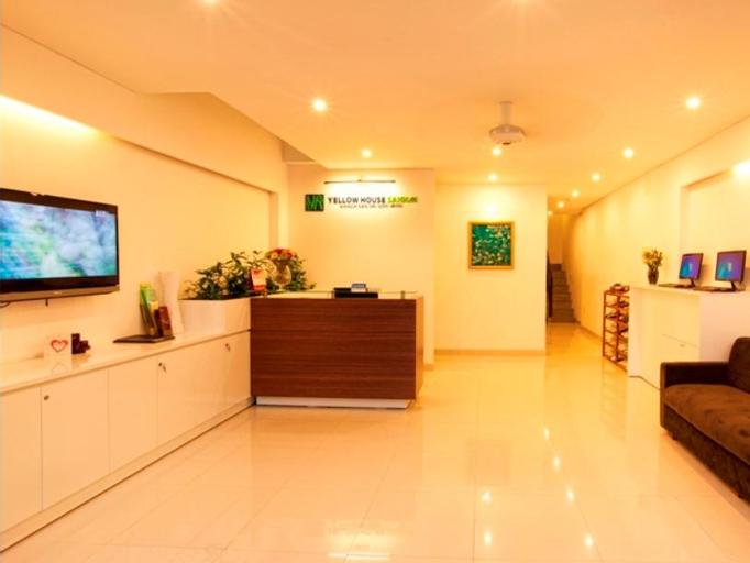 Yellow House Saigon Hotel, Quận 1