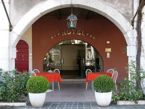 Hotel Piroscafo, Brescia