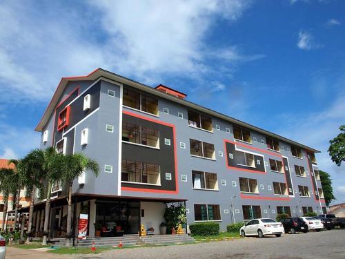 Grand Esie Apartment, Pluak Daeng