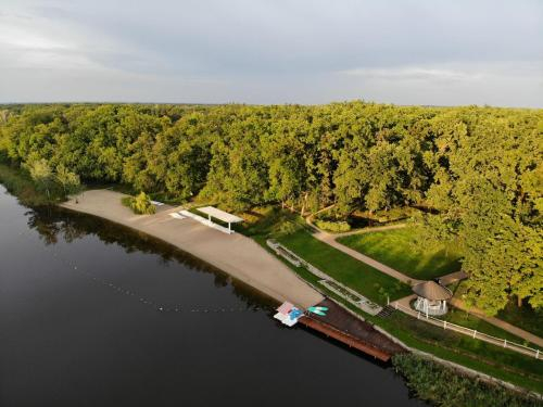 Парк-Отель Золотои пляж, Novomoskovs'kyi