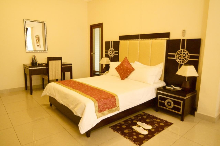 Star Hotel, Ngagara