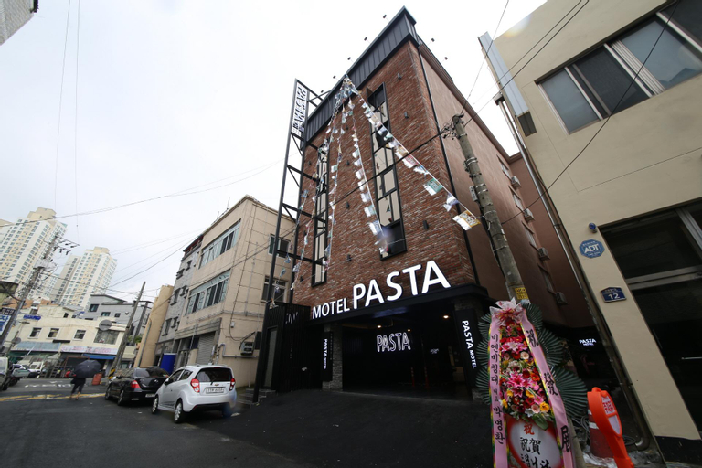Pasta Motel, Masan