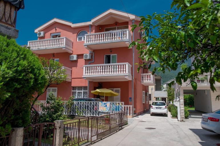 Apartments Tasija,