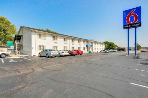 Motel 6 Wichita East, Sedgwick