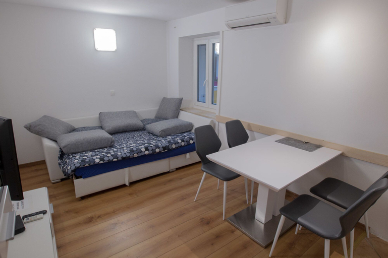 TOP Line apartments, Piran