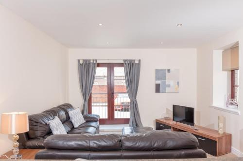 Elliot Suite No4 - Donnini Apartments, South Ayrshire