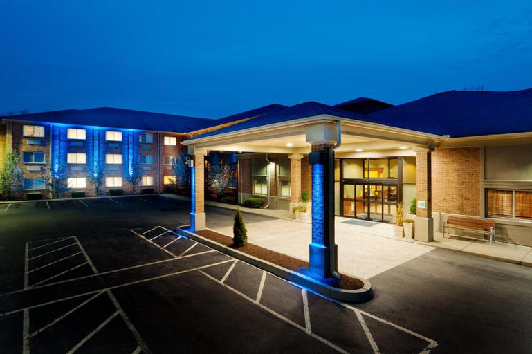 Holiday Inn Express & Suites Smithfield - Providence, Providence