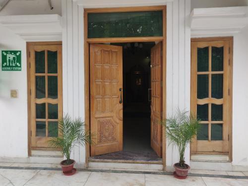 Hotel star one, Gautam Buddha Nagar