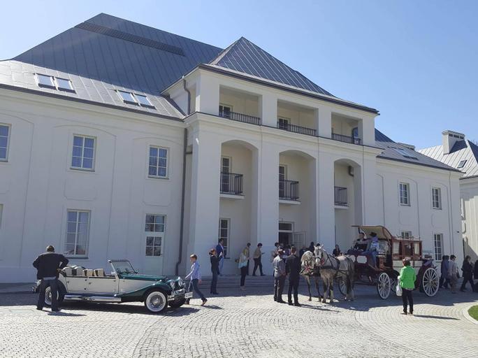 Bishop's Castle Janow Podlaski (Pet-friendly), Biała Podlaska