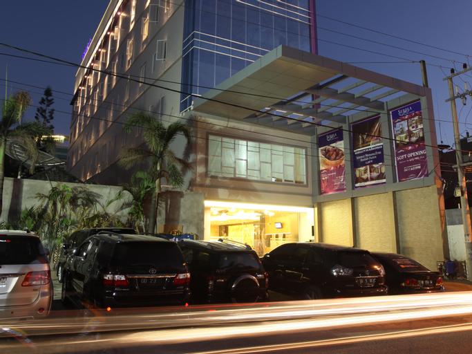 LA'RIZ Wthree Lagaligo Makassar, Makassar
