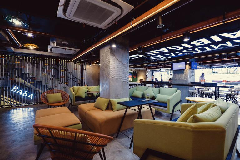Bunk 5021 Hostel, Makati City